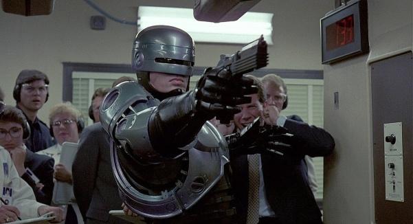 601px-RoboCop_074