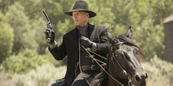 ed-harris-in-westworld-season-1-episode-2