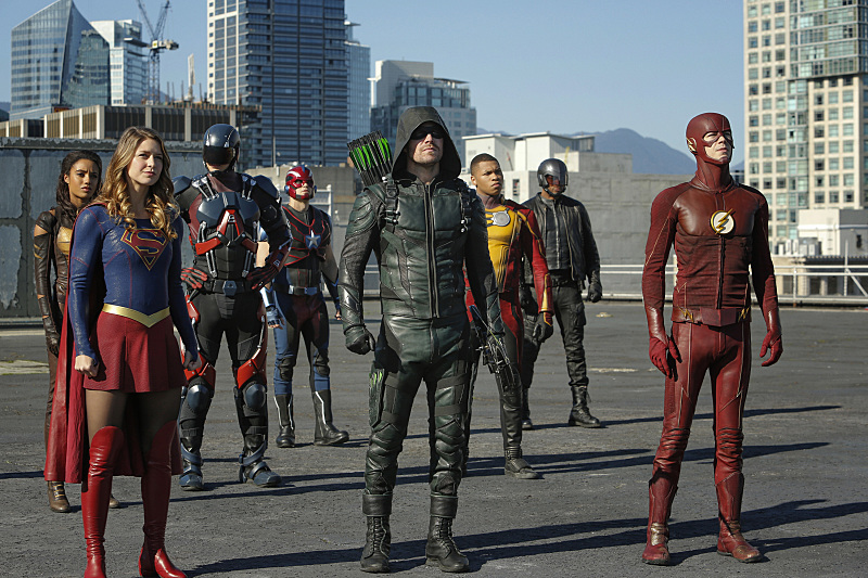 supergirl-flash-arrow-legends-crossover-photos-551
