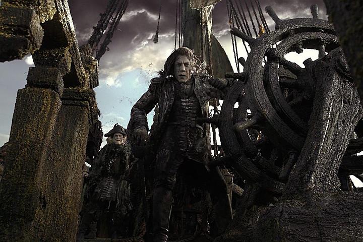 pirates-5-javier-bardem-captain-salazar-photo
