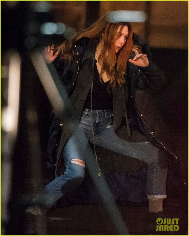 elizabeth-olsen-films-avengers-infinity-war-with-stunt-double-32