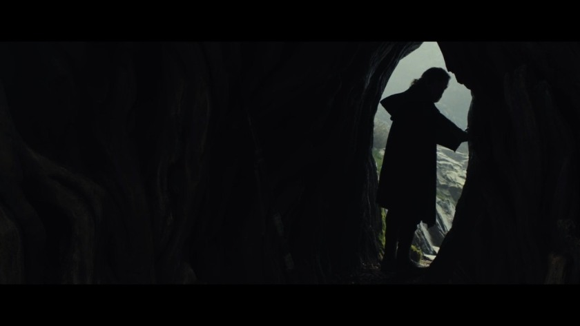 star-wars--the-last-jedi-official-teaser00-01-41-06still024-1492185956013_1280w